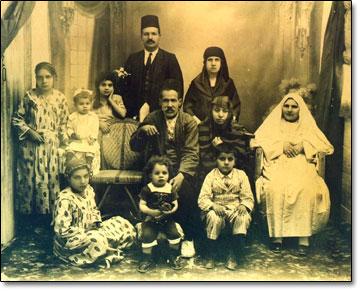 Atatürk ailece